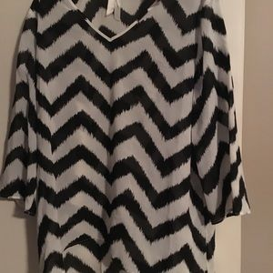 New Chico's chevron black and white top 3